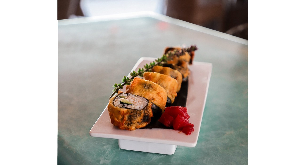 plate of crab roll
